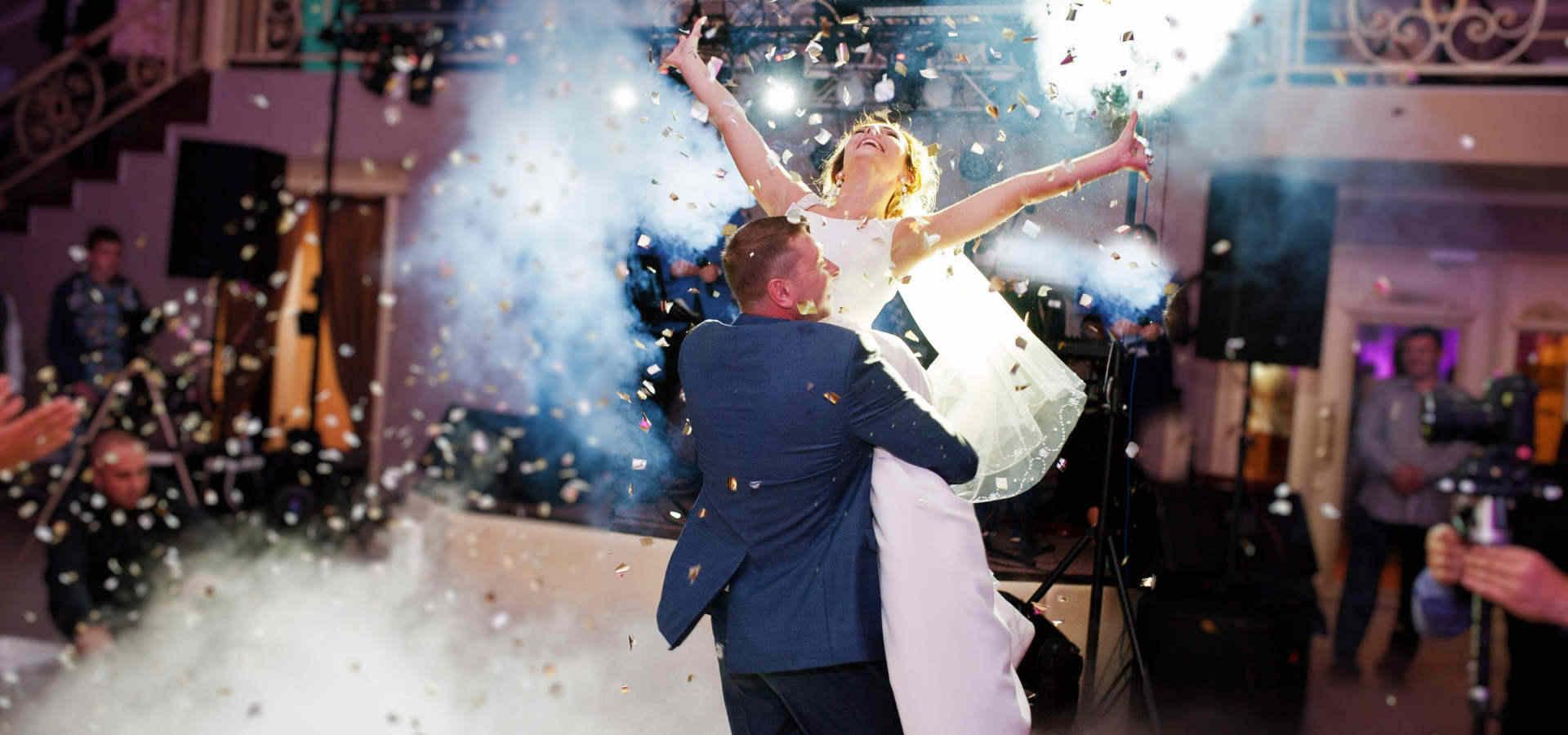 Hochzeiten sind eine Spezialität der Dreimannband
